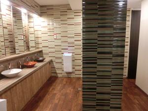 写真:佛教大学新校舎のトイレ