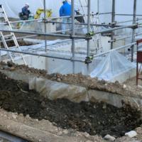 写真:土が埋め戻されて、基礎や地中梁が土中に隠れました