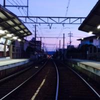 写真:夕暮れの駅