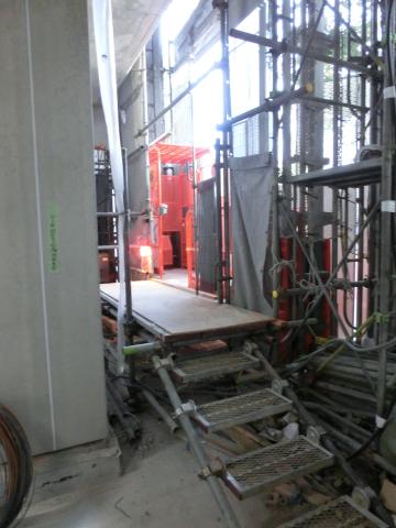 写真:工事用のエレベーター