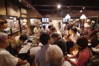 写真:神谷潔さんと広原盛明さんの対談の様子
