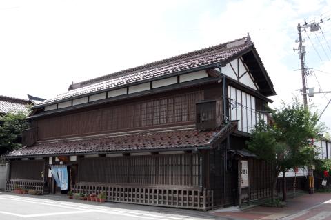 写真:渋川問屋の外観