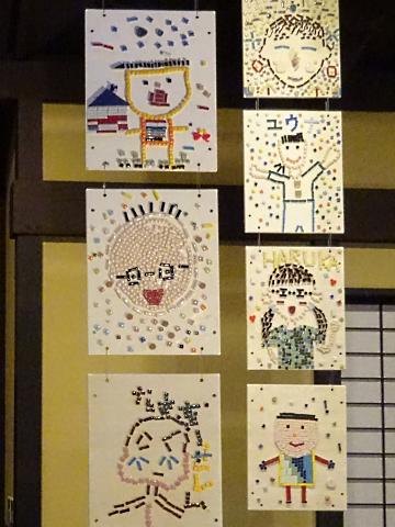 写真:元町小学校の生徒達の作品