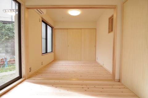 写真:寝室と納戸
