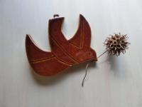 写真:陶板の壁掛け(鳩)
