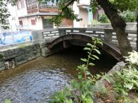 写真:五条楽園にほど近い石橋の補強
