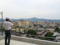 写真:屋上からの眺め。比叡山や大文字がよく見えます。